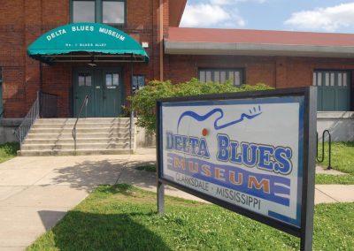 Mississippi-Clarksdale-Delta-Blues-Museum-1-3