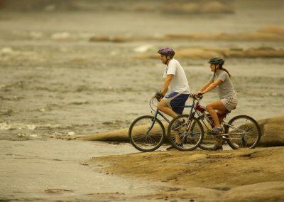 Virginia-Richmond-Mountain-biking-on-the-James-River-4